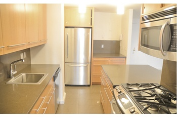 Stunning HUGH 1B 1Bth Steps to Central Park...No Fee